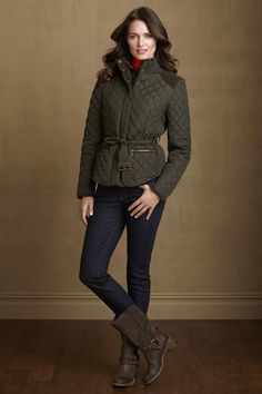 Quilted jacket + moto style boots from #johnstomurphy. #johnstonmurphy