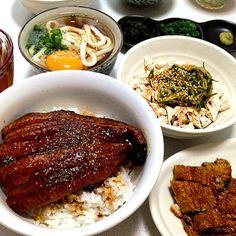 鰻丼は半分はひつまぶしにしていただきました( ´ ▽ ` )♡ - 43件のもぐもぐ - 鰻丼・冷やしかけうどん・鶏胸肉のピリ辛サラダ by kie3