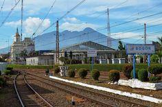 5 Tempat Kuliner Bogor Dekat Stasiun Bogor, Railroad Tracks, Train Tracks