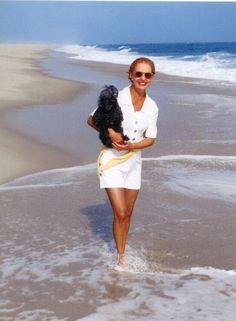 Carolina Herrera. #beach