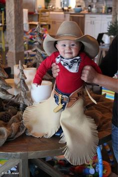 Kase Murray, Ty and Jewel's son. How cute is he!!!!!! Future bull rider