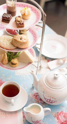 Afternoon Tea at Crown and Crumpet, San Franciscio