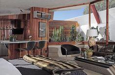 Hotel Lautner in California. Mid-century modern meets desert oasis. This is the Honeymoon Suite.