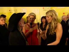 Lauren Alaina co-hosts CMAs Red Carpet (Willie Nelson Interview)