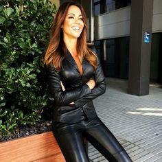 Lara Alvarez, Tight Leather Pants, Leder Outfits, Shiny Leggings, Fast Fashion, Women's Fashion, Catsuit, Leather Fashion, Black Leather