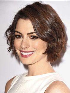 Anne Hathaway short layered bob hairstyle