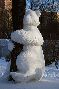 **Inspired Snow Art: Alternatives To Snowmen. i am so gonna try this next time we get snow.
