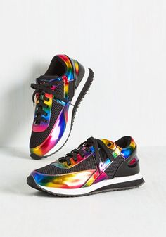 You're no stranger to a belly full of butterflies - these black tennis shoes have you fluttering on the daily! Disco-ready with iridescent rainbow accents, glossy faux-leather pops, and a pristine white stripe along each sole, these kicks find you filled with excited emotions.