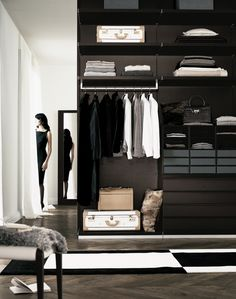 Poliform Ubik. Contemporary Wardrobe Design.  Vintage, modern, luxury or eclectic closet. Wich are you favourites? See some decor tips for your own interior projects, walk in closets and wardrobes here: http://www.pinterest.com/homedsgnideas/