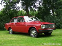 Volvo 142 1971 - color red - import Belgium (1998)  my grille is  different.
