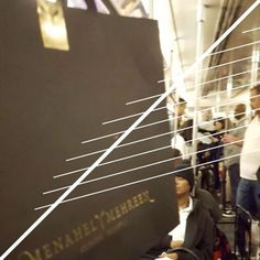 #FashionPostcardSeries ~ Friday in New York ✨  #NewYork #menahelandmehreen #menahelandmehreen📽 #menahelandmehreenvideos #fashion #postcard #postcardvideo #pakistanifashion #travelogue #traveldiaries #madeinpakistan  #karachitonewyork #42ndstreet #bryantpark #yellowseats