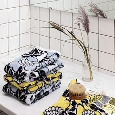 To celebrate our 200th anniversary we made a collection that takes a stand. The designs are based on the large patterns and strong colours of the 1970s. The Annukka pattern was designed by Mirja Tissari in 1976. // 200-vuotisjuhlamme kunniaksi toimme mallistoomme kuosisarjan, jonka ydin on 70-luvun suurissa kuvioissa ja vahvoissa väreissä. Annukka-kuosi on Mirja Tissarin käsialaa vuodelta 1976. 1970s, Take That, Anniversary, Textiles, Strong, Colours, Shoulder Bag, Patterns, Celebrities