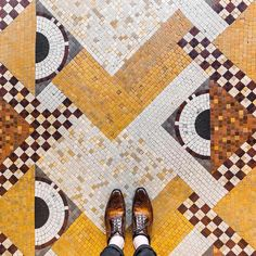 floor patterns Enchanting art is more ubiquitous t - flooring Floor Patterns, Mosaic Patterns, Textures Patterns, Floor Design, Tile Design, Pattern Design, Terrazo, Style Tile, Mosaic Tiles