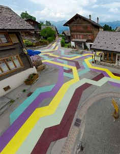 Colorful Contrast: Geometric Street Paintings in France http://weburbanist.com/2013/06/17/colorful-contrast-geometric-street-paintings-in-france/