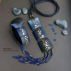 Эксперимент. Надо ещё поработать над этой моделью. Но этот браслет мне очень понравился. #синий #синийсзолотым #длинныйкулон #комплектукрашений #полимернаяглина #polymerclay