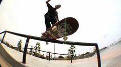 """GABRIEL FORTUNATO - SHELDON SKATEPARK - http://DAILYSKATETUBE.COM/gabriel-fortunato-sheldon-skatepark/ - Gabriel Fortunato, está passando uma temporada na Califórnia e aproveitou para registrar algumas manobras na tradicional Sheldon Skatepark em Sun Valley.  Imagens: Raul Alvarez Edição: Diogo Ramos """"Gema"""". Source: https://www.youtube.com/watch?v=umLGi8Ziyig - FORTUNATO., gabriel, Sheldon, skatepark"""