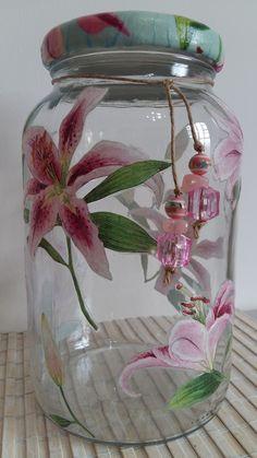 Glass Bottle Crafts, Wine Bottle Art, Painted Wine Bottles, Diy Bottle, Painted Mason Jars, Bottles And Jars, Mason Jar Art, Mason Jar Crafts, Big Glass Jars