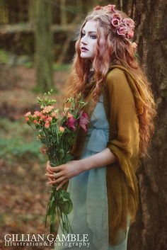 ❀ Flowers in her hair ❀ Flower Maiden Fantasy ❀ beautiful photography of women and flowers - Modern Day Rossetti Hair Rainbow, Book 15 Anos, Fantasy Photography, Ethereal Photography, Hair Photography, Photography Women, Amazing Photography, Mystique, Pre Raphaelite