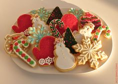Learn how to make this beautiful platter of holiday cookies by Sweet Dani B featured in Real Simple's December 2012 issue! Ho ho ho! Xo  http://sweetdanib.com/2012/11/real-simple-cookie-decorations-road-tested/