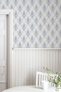 The wallpaper Magasinet - from Duro is a wallpaper with the dimensions . The wallpaper Magasinet - belongs to the popular wallpaper collection Gamm Wallpaper Stores, Old Wallpaper, Kitchen Wallpaper, Wallpaper Samples, Swedish Wallpaper, Scandinavian Wallpaper, Interior Design Images, Scandinavian Interior Design, Swedish Cottage