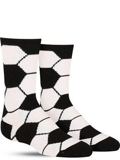 Little soccer players will be the stars of the team at their next practice with these cool socks featuring a classic black and white soccer ball pattern!