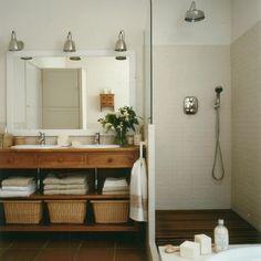 baño rústico, rustic bathroom, built in shower. Bathroom Built Ins, Laundry In Bathroom, Pinterest Bathroom, Rustic Powder Room, Ideas Baños, Bathroom Color Schemes, Powder Room Design, Modern Rustic Decor, Rustic Bathrooms