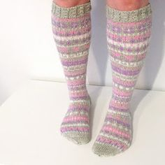Ravelry: Joulukalenterisukat 2015 pattern by Niina Laitinen Knitting Socks, Knit Socks, Crafts To Do, Mittens, Ravelry, Knit Crochet, Slippers, Villa, My Style