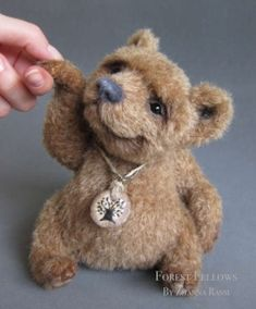 Zhanna Rassi (FOREST FELLOWS) - Artist Bears and Handmade Bears by Banphrionsa