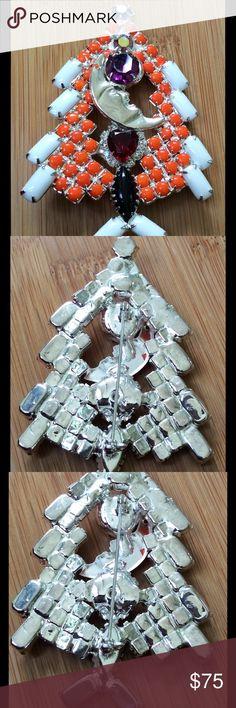 Selling this Cool Funky Vintage Christmas Tree Pin on Poshmark! My username is: mixedbrew. #shopmycloset #poshmark #fashion #shopping #style #forsale #Vintage #Jewelry