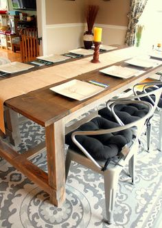 Siemen Says...: Farmhouse Table-love the mix with the metal chairs.