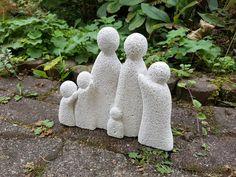 Familie aus Gasbeton (Ytong Beton Kunst Skultpur Handarbeit Hobby) Beton Design, Garden Sculpture, Outdoor Decor, Kids, Atelier, Autoclaved Aerated Concrete, Art Sculptures, Unique, Bathing