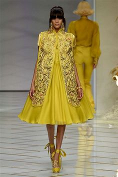 Guo Pei - passage 34 collection 2016