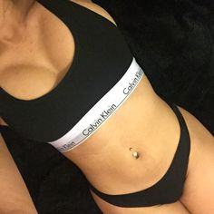 Instagram photo by @yazzz0 via ink361.com Bra And Underwear Sets, Cute Underwear, Girl Photo Poses, Girl Photos, Calvin Klein Outfits, Calvin Klein Jeans, Look Fashion, Fashion Outfits, Tumbrl Girls