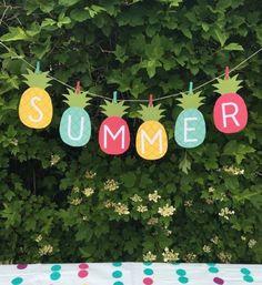 bricolage facile été, deco exterieur jardin, guirlande en papier, ananas, lettres, decoration été outdoors