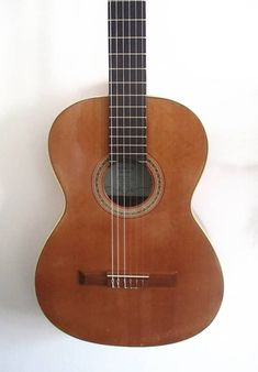 Juan Guilliani solid cedar vintage classical guitar - hand made in Spain Classical Guitars, Guitar Bag, Sub Brands, Acoustic Guitars, Deep Cleaning, 1970s, How To Find Out, It Hurts, Top