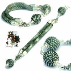 Beads or would be: beaded beads after twice - - Beads or would be: beaded beads after twice Gyöngyhorgolás Perlen oder wäre: Perlen Perlen nach zweimal Beaded Beads, Crochet Beaded Bracelets, Beaded Bracelets Tutorial, Beaded Necklace, Bead Crochet Patterns, Beaded Jewelry Patterns, Diy Schmuck, Schmuck Design, Jewelery