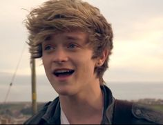 Connor Ball - The Vamps Brad Simpson, New Hope Club, The Vamps, Future Husband, Cute Boys, Make Me Smile, Celebs, Hair, Bands
