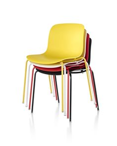 Troy Plastic Chair. Ligera y lista para ser utilizada dentro o fuera de la casa, los materiales con los que fue diseñada le permiten eso y más! #MoberSensations