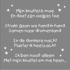 Mijn knuffel is moe op canvas | Muurteksten kinderkamer | Muurteksten My Little Baby, Baby Love, Maternity Pictures, Little People, Girl Quotes, My Sunshine, Sweet Dreams, Cool Words, Baby Gifts