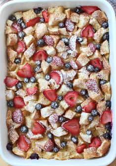 Berry French Toast Casserole - Moist on the inside, slightly crusty on the top, this Berry French Toast Casserole is delicious and feeds a crowd! Make ahead and pop into the oven whenever you are ready to eat it! The perfect breakfast and brunch food! #breakfast #brunch #frenchtoast #berries #casserole #recipe #joyousapron