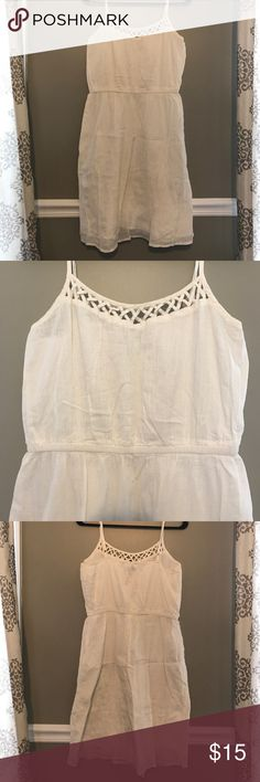 Old Navy Linen Summer Dress Adjustable straps • super light weight • can dress up or down! Old Navy Dresses Mini