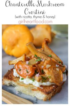 This Chanterelle Mushroom Crostini with Ricotta, Thyme and Honey is an easy appetizer that tastes so delicious and is perfect for entertaining! Chanterelle Mushroom Recipes, Mushroom Appetizers, Yummy Appetizers, Appetizer Recipes, Dinner Recipes, Light Appetizers, Light Recipes, Vegan Recipes Easy, Vegetarian Recipes