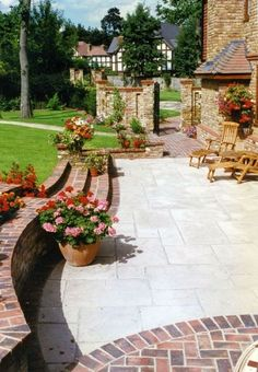 Really like the contrast between the two paving materials Natural stone (jura limestone) and antique brick edging and walling. Paving Stone Patio, Brick Patios, Concrete Patio, Limestone Patio, Stone Path, Brick Courtyard, Bluestone Pavers, Stone Driveway, Driveway Paving