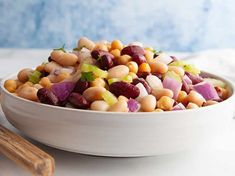 This quick & easy Three Bean Salad is just 2 Smart Points per serving on Weight Watchers Freestyle plan. Healthy, tasty and filling this is the perfect Weight Watchers lunch recipe. Weight Watchers Bean Recipe, Weight Watchers Salad, Weight Watchers Lunches, Bean Recipes, Lunch Recipes, Dog Food Recipes, Salad Recipes, Cooking Recipes, Three Bean Salad