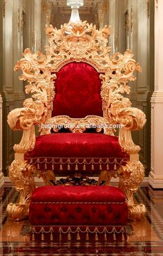 Damn a must have. That's a Queens chair