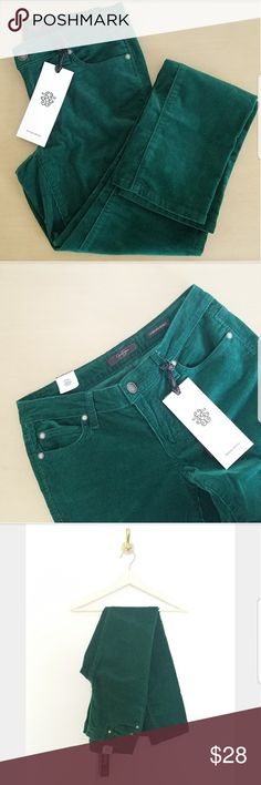 Jessica Simpson Green Corduroy Jeans Jessica Simpson Forever Skinny Green Corduroy Jeans. Size 28 Regular. 98% Cotton 2% Spandex. New With Tags. Jessica Simpson Jeans