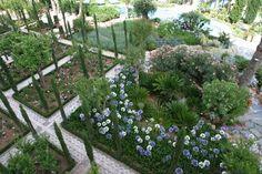manuel garcía ferreira paisajistas de marbella / el jardín patio de los poetas, hotel incosol málaga