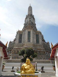 Wat Arun, Bangkok, Thailand http://www.bohemiantravelers.com/2011/11/wat-arun-photo-essay.html