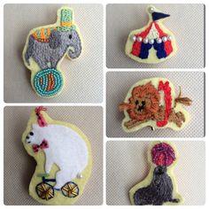 動物たちのサーカス 手刺繍&ビーズ刺繍 ブローチ