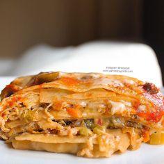 Lasaña baja en hidratos con verduras y pollo Deli Food, Easy Family Meals, Empanadas, Fun Drinks, Lasagna, Tasty, Lunch, Healthy Recipes, Chicken